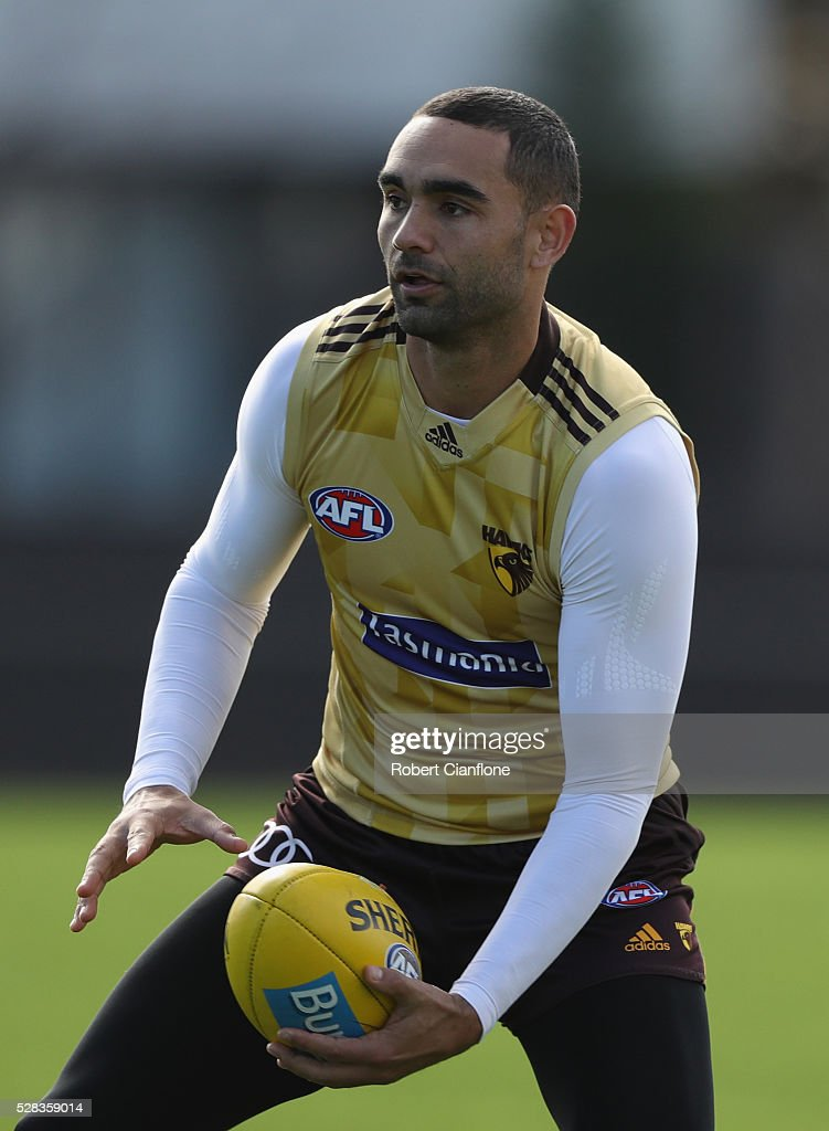 <a gi-track='captionPersonalityLinkClicked' href=/galleries/search?phrase=Shaun+Burgoyne&family=editorial&specificpeople=224566 ng-click='$event.stopPropagation()'>Shaun Burgoyne</a> of the Hawks controls the ball during a Hawthorn Hawks AFL media session at Waverley Park on May 5, 2016 in Melbourne, Australia.