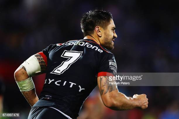 Shaun Johnson of the Warriors celebrates after kicking the winning penalty during the round nine NRL match between the New Zealand Warriors and the...