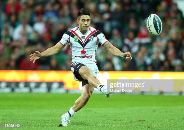 Shaun Johnson of the Warriors kicks a field goal during the round 17 NRL match between the South Sydney Rabbitohs and the New Zealand Warriors at nib...