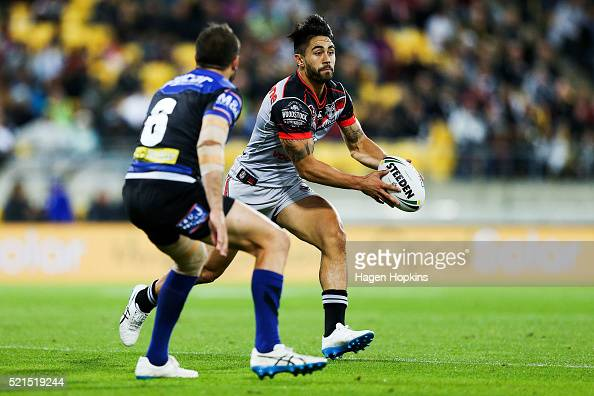 Shaun Johnson of the Warriors looks to pass during the round seven NRL match between the Canterbury Bulldogs and the New Zealand Warriors at Westpac...