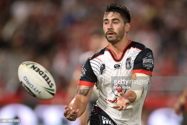 Shaun Johnson of the Warriors passes during the round four NRL match between the St George Illawarra Dragons and the New Zealand Warriors at UOW...