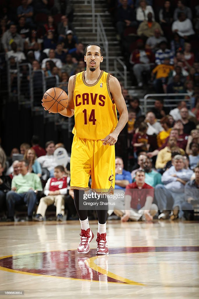 Shaun Livingston #14 of the Cleveland Cavaliers dribbles up floor against the Miami Heat at The Quicken Loans Arena on April 15, 2013 in Cleveland, Ohio.