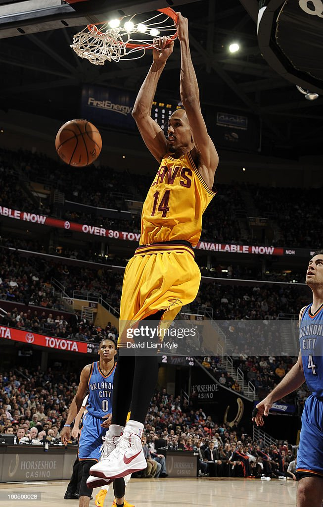 Shaun Livingston #14 of the Cleveland Cavaliers dunks against the Oklahoma City Thunder at The Quicken Loans Arena on February 2, 2013 in Cleveland, Ohio.