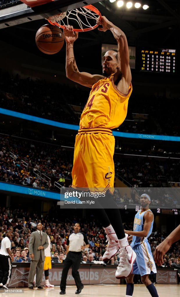 Shaun Livingston #14 of the Cleveland Cavaliers dunks the ball against the Denver Nuggets at The Quicken Loans Arena on February 9, 2013 in Cleveland, Ohio.