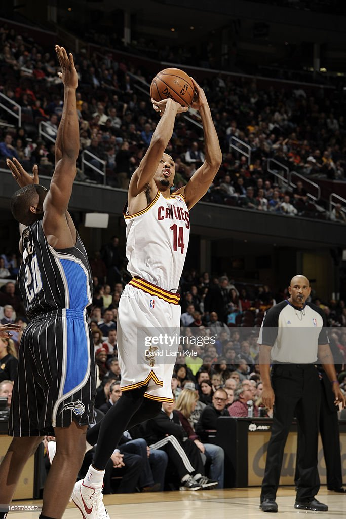 Shaun Livingston #14 of the Cleveland Cavaliers shoots against DeQuan Jones #20 of the Orlando Magic at The Quicken Loans Arena on February 8, 2013 in Cleveland, Ohio.