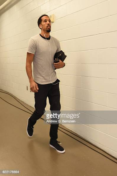 Shaun Livingston of the Golden State Warriors arrives prior to a game against the New Orleans Pelicans at Smoothie King Center on October 28 2016 in...