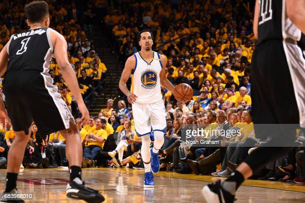 Shaun Livingston of the Golden State Warriors brings the ball up court during the game against the San Antonio Spurs during Game Two of the Western...