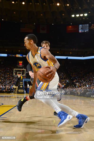 Shaun Livingston of the Golden State Warriors handles the ball against the Atlanta Hawks on November 28 2016 at ORACLE Arena in Oakland California...