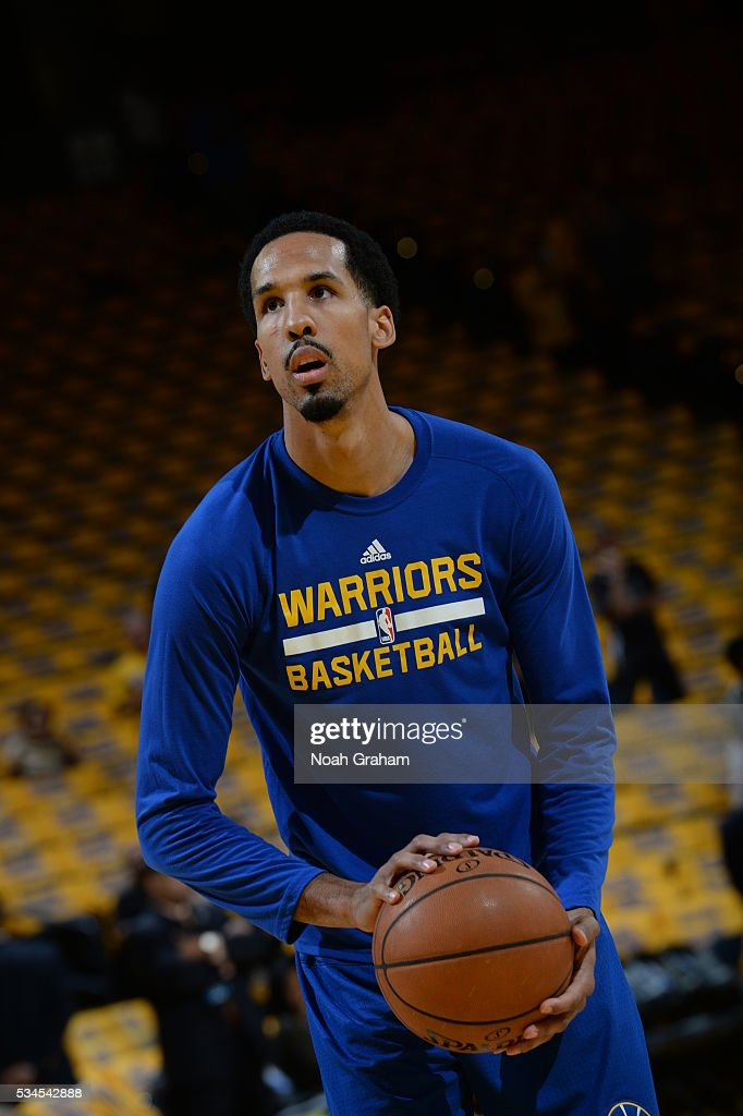 <a gi-track='captionPersonalityLinkClicked' href=/galleries/search?phrase=Shaun+Livingston&family=editorial&specificpeople=202955 ng-click='$event.stopPropagation()'>Shaun Livingston</a> #34 of the Golden State Warriors warms up before facing the Oklahoma City Thunder for Game Five of the Western Conference Finals during the 2016 NBA Playoffs on May 26, 2016 at ORACLE Arena in Oakland, California.