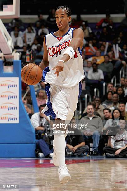 Shaun Livingston of the Los Angeles Clippers directs a play during the Clippers home opener against the Seattle Sonics at Staples Center on November...