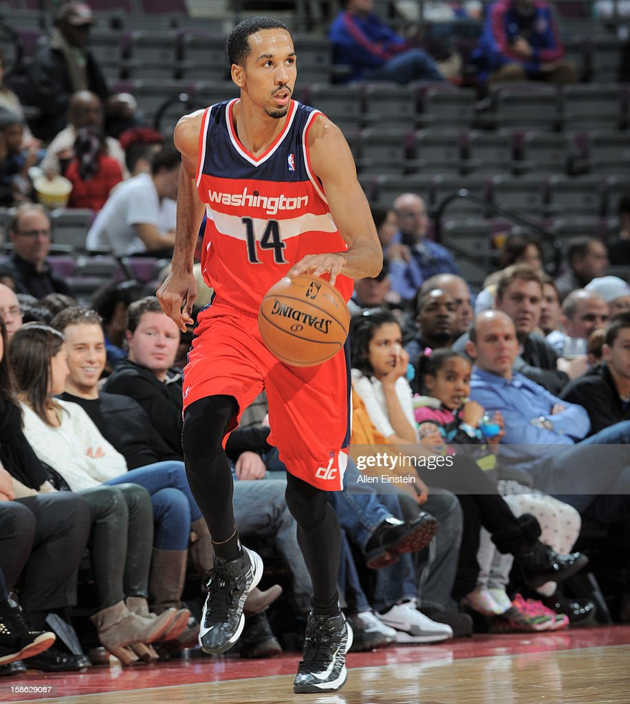 Shaun Livingston #14 of the Washington Wizards pushes the ball up the court against the Detroit Pistons during the game on December 21, 2012 at The Palace of Auburn Hills in Auburn Hills, Michigan.