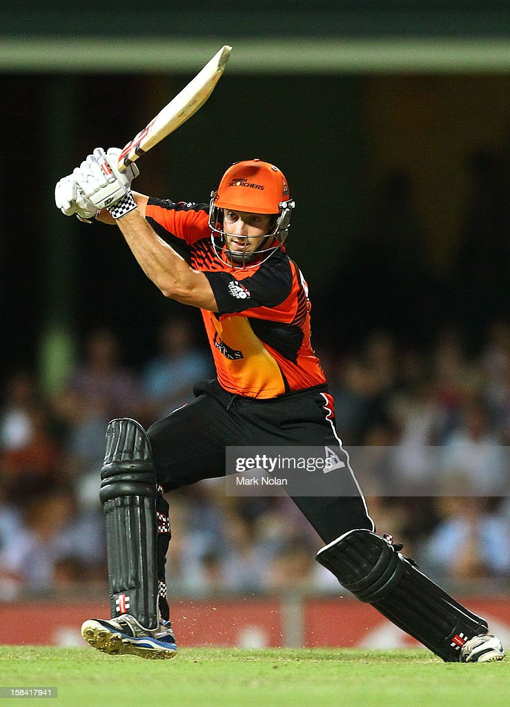 <a gi-track='captionPersonalityLinkClicked' href=/galleries/search?phrase=Shaun+Marsh+-+Cricket+Player&family=editorial&specificpeople=236104 ng-click='$event.stopPropagation()'>Shaun Marsh</a> of the Scorchers bats during the Big Bash League match between the Sydney Sixers and the Perth Scorchers at SCG on December 16, 2012 in Sydney, Australia.