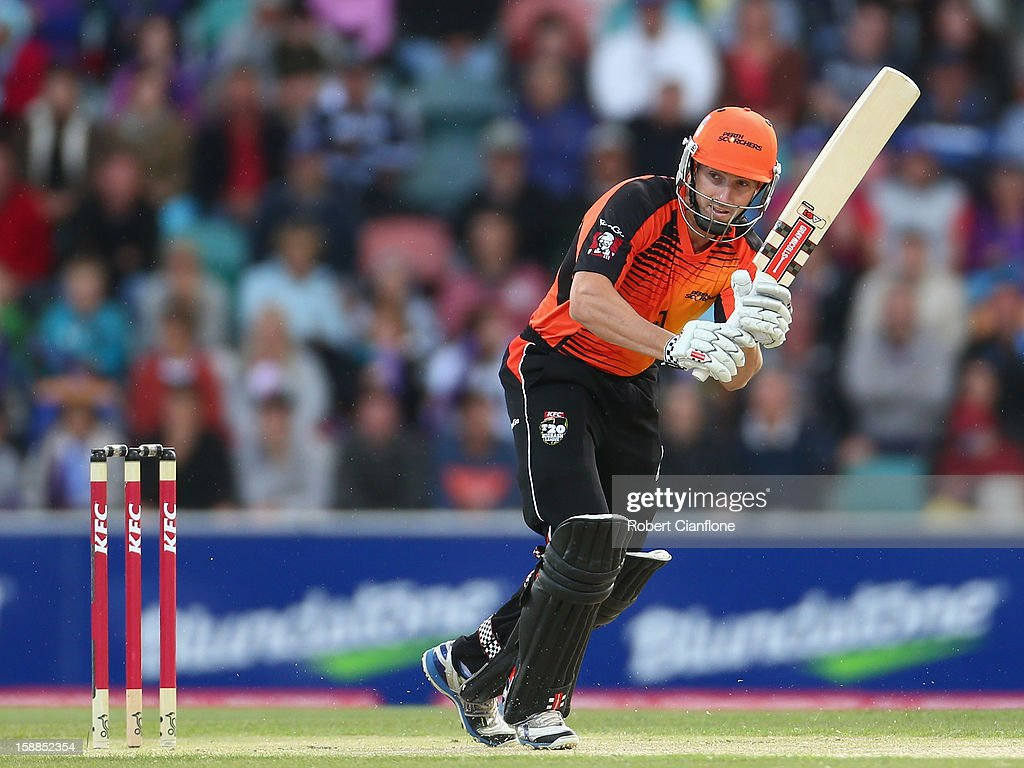 <a gi-track='captionPersonalityLinkClicked' href=/galleries/search?phrase=Shaun+Marsh+-+Cricket+Player&family=editorial&specificpeople=236104 ng-click='$event.stopPropagation()'>Shaun Marsh</a> of the Scorchers bats during the Big Bash League match between the Hobart Hurricanes and the Perth Scorchers at Blundstone Arena on January 1, 2013 in Hobart, Australia.