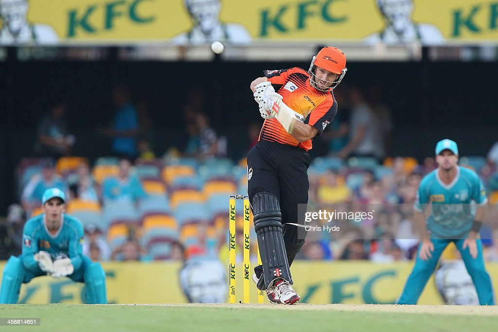 <a gi-track='captionPersonalityLinkClicked' href=/galleries/search?phrase=Shaun+Marsh+-+Cricket+Player&family=editorial&specificpeople=236104 ng-click='$event.stopPropagation()'>Shaun Marsh</a> of the Scorchers bats during the Big Bash League match between the Brisbane Heat and the Perth Scorchers at The Gabba on December 22, 2013 in Brisbane, Australia.