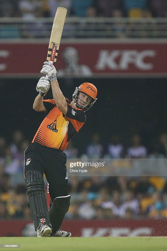 Shaun Marsh of the Scorches bats during the Big Bash League match between the Brisbane Heat and the Perth Scorchers at The Gabba on December 18, 2012 in Brisbane, Australia.