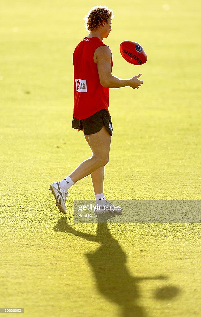 Shaun McManus of the Dockers walks across the oval during an AFL Fremantle Dockers training session at Fremantle Oval on April 28 2008 in Perth...