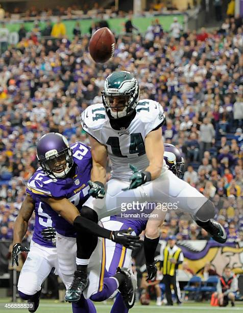 Shaun Prater of the Minnesota Vikings breaks up an attempt of a two point conversion to Riley Cooper of the Philadelphia Eagles during the third...