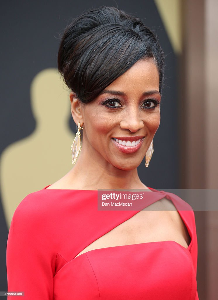 Shaun Robinson arrives at the 86th Annual Academy Awards at Hollywood & Highland Center on March 2, 2014 in Los Angeles, California.