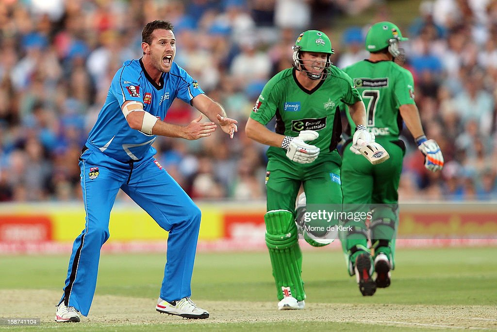 <a gi-track='captionPersonalityLinkClicked' href=/galleries/search?phrase=Shaun+Tait&family=editorial&specificpeople=211315 ng-click='$event.stopPropagation()'>Shaun Tait</a> of the Strikers appeals as Stars players run between the wickets during the Big Bash League match between the Adelaide Strikers and the Melbourne Stars at Adelaide Oval on December 27, 2012 in Adelaide, Australia.