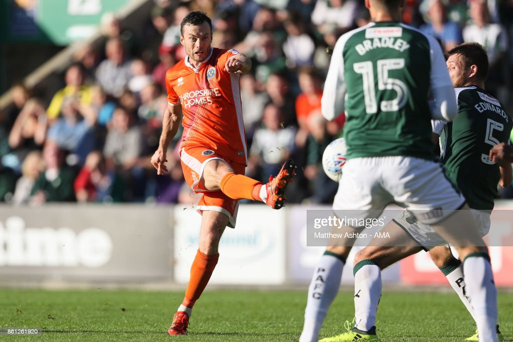 Shaun Whalley of Shrewsbury Town scores a goal to make it 1-1during the Sky Bet League One match between Plymouth Argyle and Shrewsbury Town at Home Park on October 14, 2017 in Plymouth, England. (Photo by Matthew Ashton - AMA/Getty Images