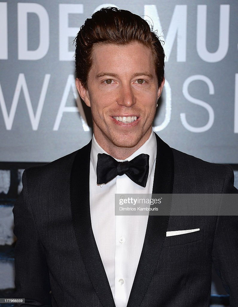 <a gi-track='captionPersonalityLinkClicked' href=/galleries/search?phrase=Shaun+White+-+Snowboarder&family=editorial&specificpeople=247245 ng-click='$event.stopPropagation()'>Shaun White</a> attends the 2013 MTV Video Music Awards at the Barclays Center on August 25, 2013 in the Brooklyn borough of New York City.