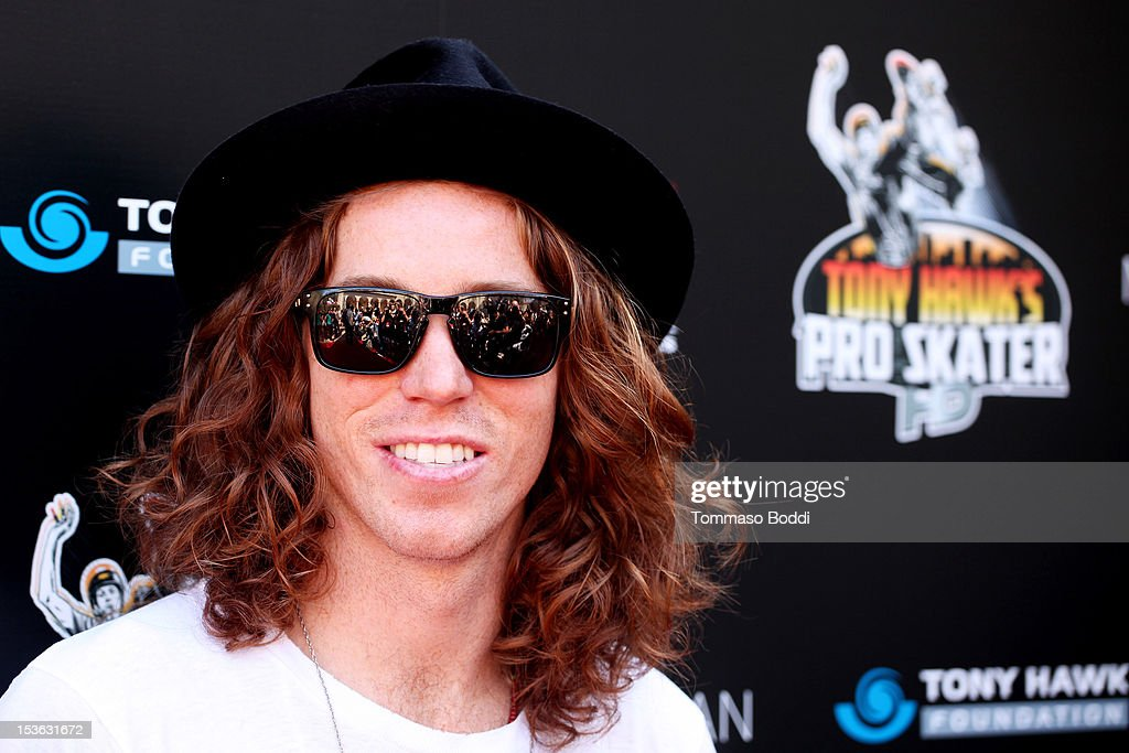 <a gi-track='captionPersonalityLinkClicked' href=/galleries/search?phrase=Shaun+White+-+Snowboarder&family=editorial&specificpeople=247245 ng-click='$event.stopPropagation()'>Shaun White</a> attends the 9th annual Tony Hawk Stand Up For Skateparks Benefit held at Ron Burkle's Green Acres Estate on October 7, 2012 in Beverly Hills, California.