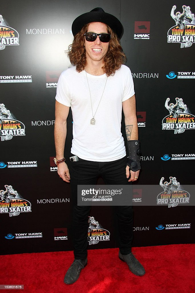 <a gi-track='captionPersonalityLinkClicked' href=/galleries/search?phrase=Shaun+White+-+Snowboard&family=editorial&specificpeople=247245 ng-click='$event.stopPropagation()'>Shaun White</a> attends the 9th annual Tony Hawk Stand Up For Skateparks Benefit held at Ron Burkle's Green Acres Estate on October 7, 2012 in Beverly Hills, California.
