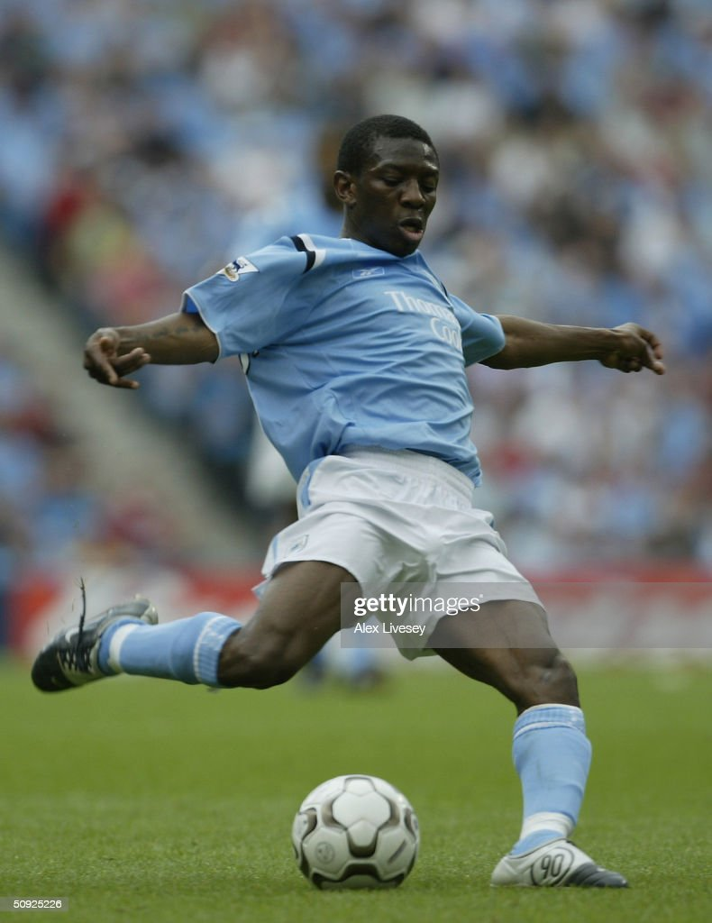 Shaun WrightPhillips of Manchester City during the FA Barclaycard Premiership match between Manchester City and Everton at The City of Manchester...