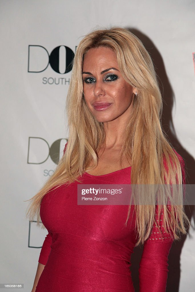 Shauna Sand at Dore Restaurant and Lounge on April 3, 2013 in Miami Beach, Florida.
