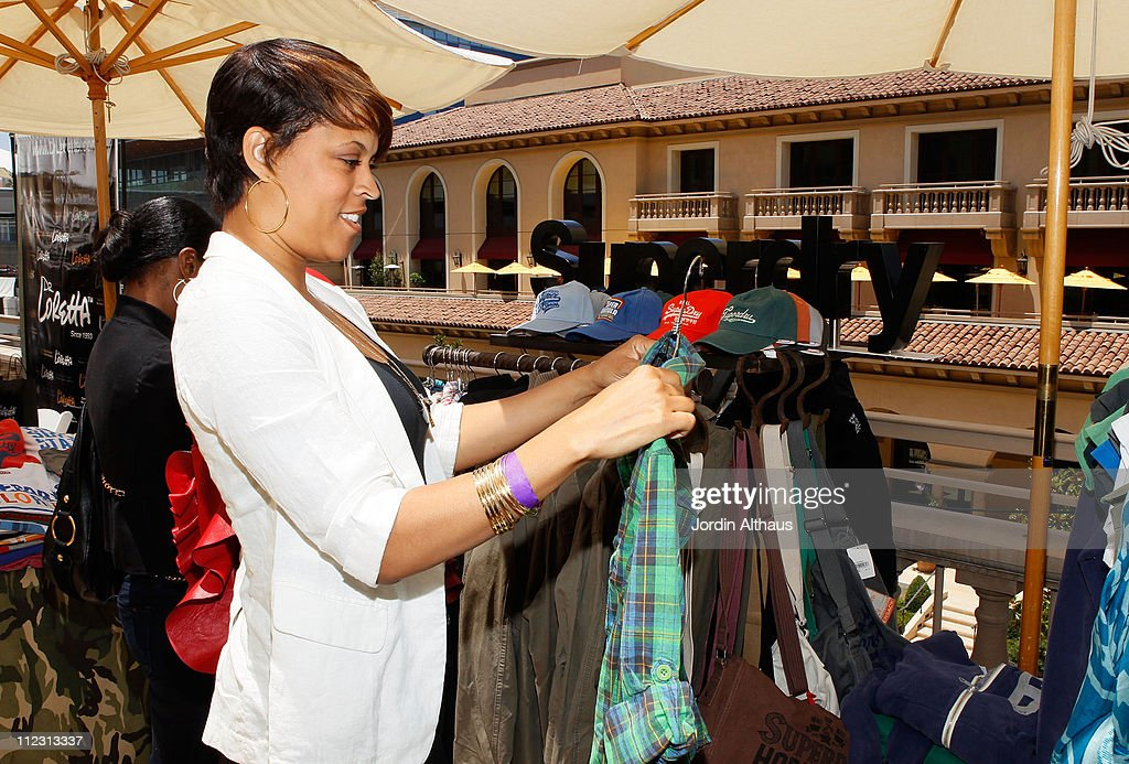 Shaunie O'Neal poses with Superdry at the Kari Feinstein MTV Movie Awards Style Lounge held at Montage Beverly Hills on June 4, 2010 in Beverly Hills, California.