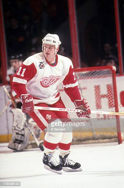 Shawn Burr of the Detroit Red Wings skates on the ice during an NHL game against the Philadelphia Flyers on April 1 1990 at the Spectrum in...