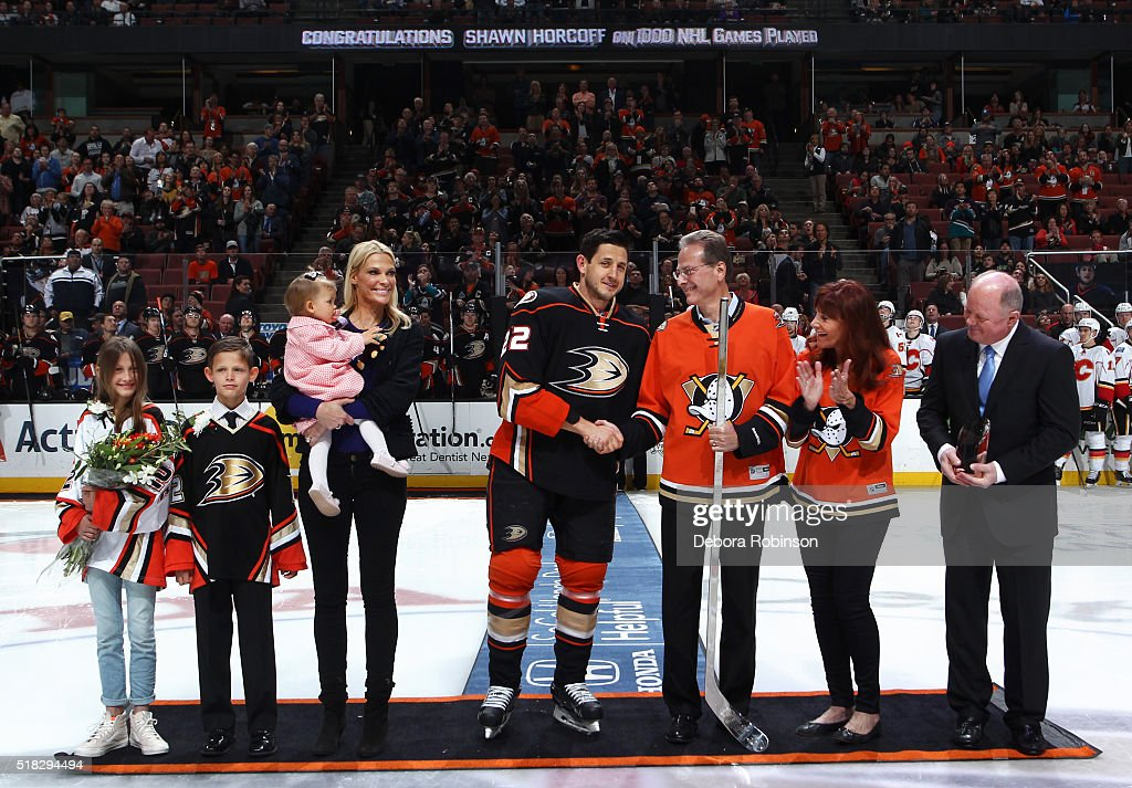 Shawn Horcoff of the Anaheim Ducks gets congratulated by his family Cindy Horcoff Jade Horcoff Lauder Mae Horcoff and William Horcoff Ducks owners...