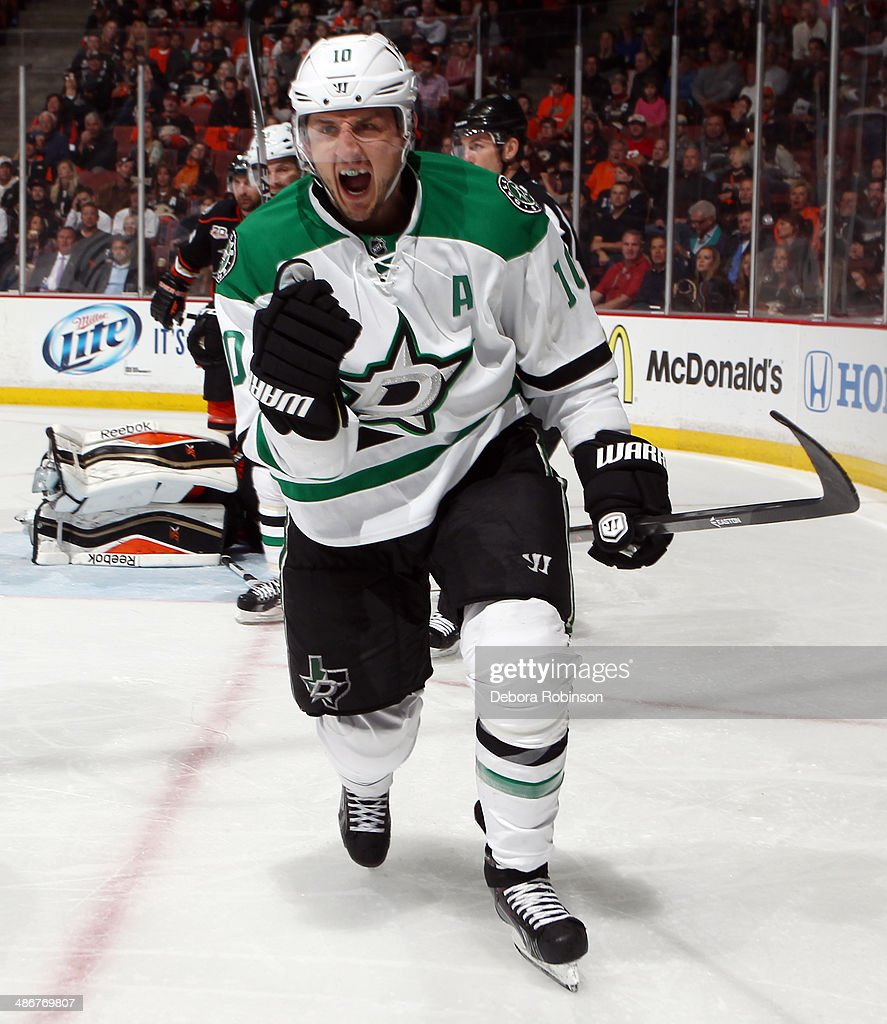 Shawn Horcoff of the Dallas Stars celebrates his second period goal against the Anaheim Ducks in Game Five of the First Round of the 2014 Stanley Cup...