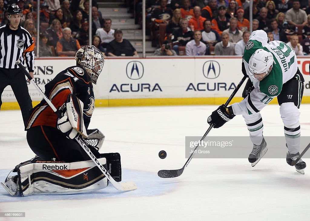 Shawn Horcoff of the Dallas Stars shoots on goaltender Frederik Andersen of the Anaheim Ducks in the second period of Game Five of the First Round of...