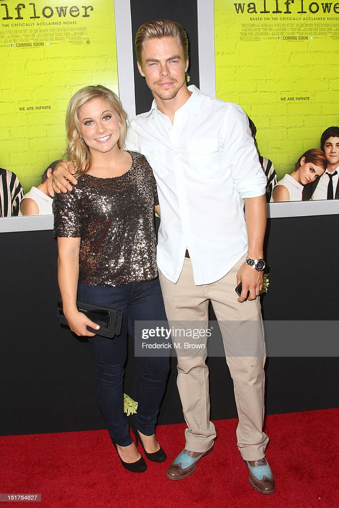 <a gi-track='captionPersonalityLinkClicked' href=/galleries/search?phrase=Shawn+Johnson+-+Gymnast&family=editorial&specificpeople=2330927 ng-click='$event.stopPropagation()'>Shawn Johnson</a> (L) and <a gi-track='captionPersonalityLinkClicked' href=/galleries/search?phrase=Derek+Hough&family=editorial&specificpeople=4532214 ng-click='$event.stopPropagation()'>Derek Hough</a> attend the Premiere Of Summit Entertainment's 'The Perks Of Being A Wallflower' at the Arclight Cinerama Dome on September 10, 2012 in Hollywood, California.