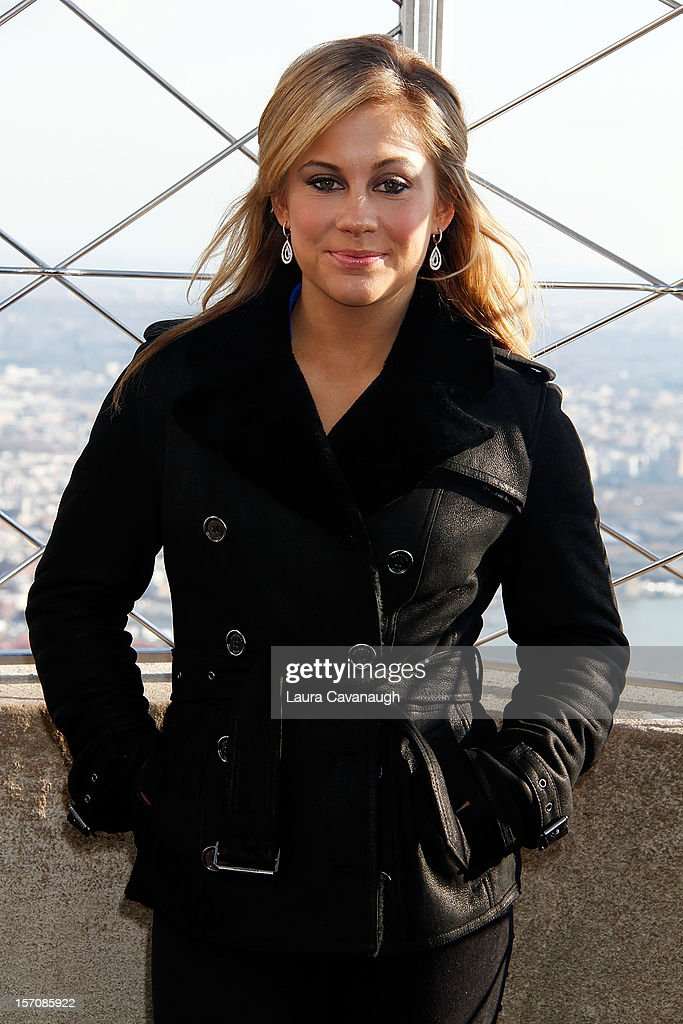 <a gi-track='captionPersonalityLinkClicked' href=/galleries/search?phrase=Shawn+Johnson+-+Gymnast&family=editorial&specificpeople=2330927 ng-click='$event.stopPropagation()'>Shawn Johnson</a> visits The Empire State Building on November 28, 2012 in New York City.