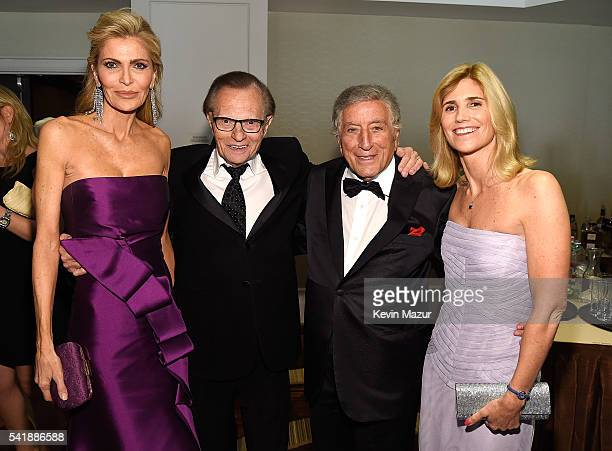 Shawn King Larry King Tony Bennett and Susan Crow attend Friars Club honors Tony Bennett with The Entertainment Icon Award at New York Sheraton Hotel...