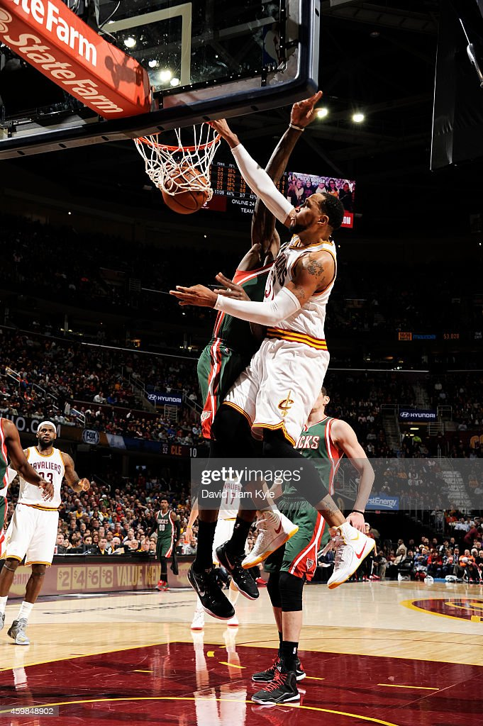 <a gi-track='captionPersonalityLinkClicked' href=/galleries/search?phrase=Shawn+Marion&family=editorial&specificpeople=201566 ng-click='$event.stopPropagation()'>Shawn Marion</a> #31 of the Cleveland Cavaliers dunks against the Milwaukee Bucks on December 2, 2014 at Quicken Loans Arena in Cleveland, Ohio.