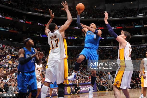 Shawn Marion of the Dallas Mavericks shoots the ball against the Los Angeles Lakers on April 15 2012 in Los Angeles California NOTE TO USER User...