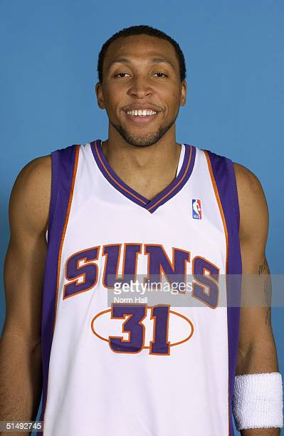 Shawn Marion of the Phoenix Suns poses for a portrait during NBA Media Day on October 4 2004 in Phoenix Arizona NOTE TO USER User expressly...