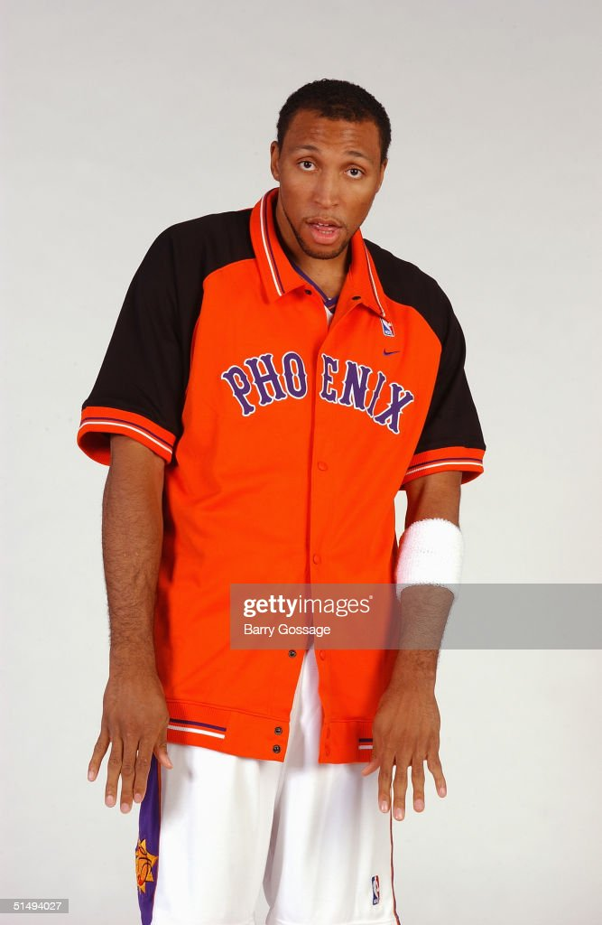 <a gi-track='captionPersonalityLinkClicked' href=/galleries/search?phrase=Shawn+Marion&family=editorial&specificpeople=201566 ng-click='$event.stopPropagation()'>Shawn Marion</a> #31 of the Phoenix Suns poses for a portrait during NBA Media Day on October 4, 2004 in Phoenix, Arizona.