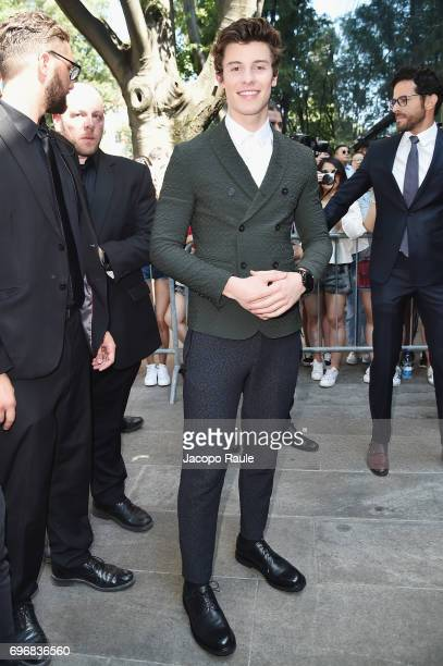 Shawn Mendes arrives at the Emporio Armani show during Milan Men's Fashion Week Spring/Summer 2018 on June 17 2017 in Milan Italy