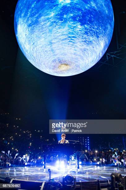Shawn Mendes performs at AccorHotels Arena on May 24 2017 in Paris France