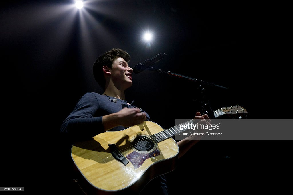 <a gi-track='captionPersonalityLinkClicked' href=/galleries/search?phrase=Shawn+Mendes+-+Musician&family=editorial&specificpeople=12808158 ng-click='$event.stopPropagation()'>Shawn Mendes</a> performs on stage at Barclaycard Center on April 29, 2016 in Madrid, Spain.