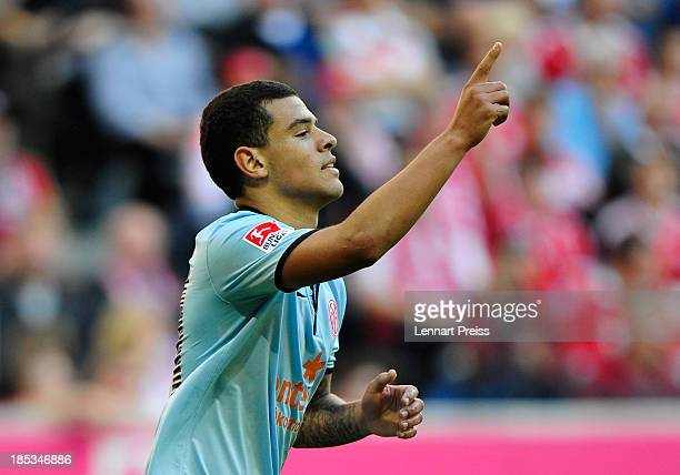 Shawn Parker of Mainz celebrates his opening goal during the Bundesliga match between FC Bayern Muenchen and 1 FSV Mainz 05 at Allianz Arena on...