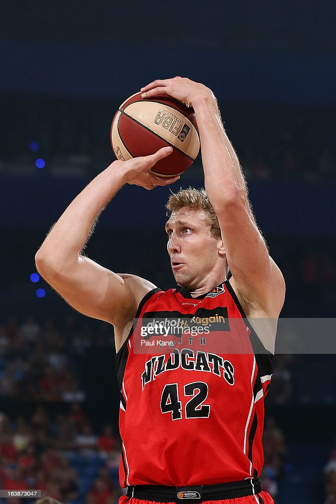 Shawn Redhage of the Wildcats shoots the ball during the round 23 NBL match between the Perth Wildcats and the Cairns Taipans at Perth Arena on March 17, 2013 in Perth, Australia.