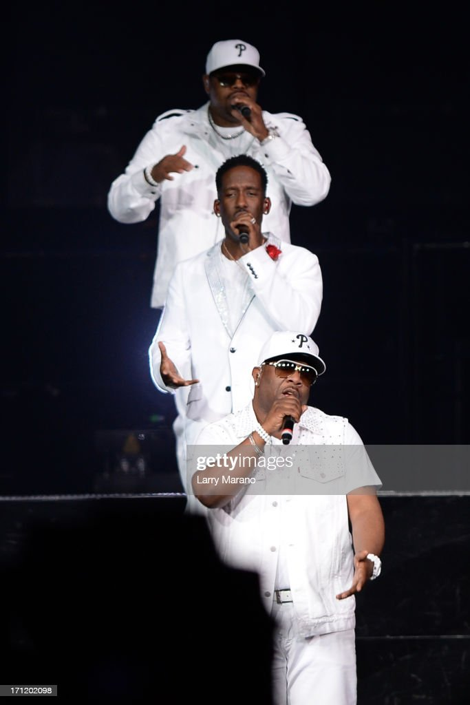 <a gi-track='captionPersonalityLinkClicked' href=/galleries/search?phrase=Shawn+Stockman&family=editorial&specificpeople=206742 ng-click='$event.stopPropagation()'>Shawn Stockman</a>, <a gi-track='captionPersonalityLinkClicked' href=/galleries/search?phrase=Wanya+Morris&family=editorial&specificpeople=648053 ng-click='$event.stopPropagation()'>Wanya Morris</a> and <a gi-track='captionPersonalityLinkClicked' href=/galleries/search?phrase=Nathan+Morris&family=editorial&specificpeople=206731 ng-click='$event.stopPropagation()'>Nathan Morris</a> of Boys II Men perform during The Package Tour at BB&T Center on June 22, 2013 in Sunrise, Florida.