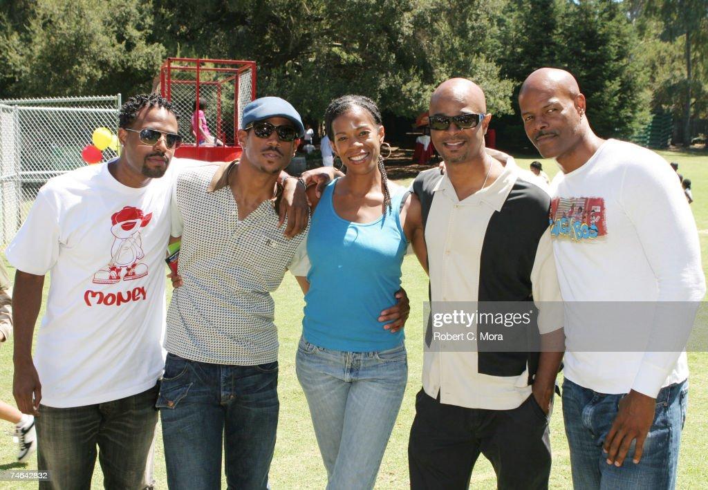 Shawn Wayans, Marlon Wayans, Kim Wayans, Damon Wayans and Keenen Ivory Wayans at the Calamigos Ranch in Malibu, California