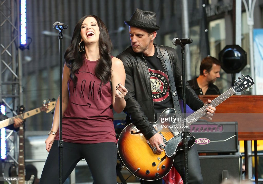Shawna Thompson and Keifer Thompson of Thompson Square perform during 'FOX Friends' All American Concert Series outside of FOX Studios on August 29...