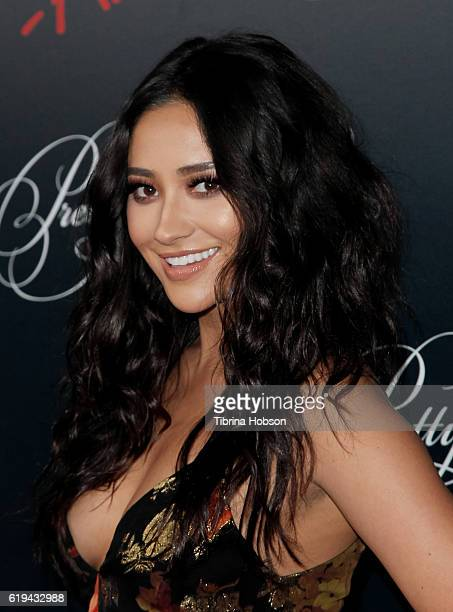 Shay Mitchell attends the celebration for 'Pretty Little Liars' final season at Siren Studios on October 29 2016 in Hollywood California